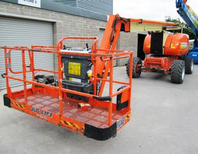 JLG 800AJ for sale